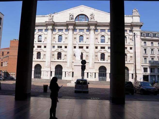 Borsa Milano chiude 1 5%. 'Europa spera nella ripartenza volano auto viaggi