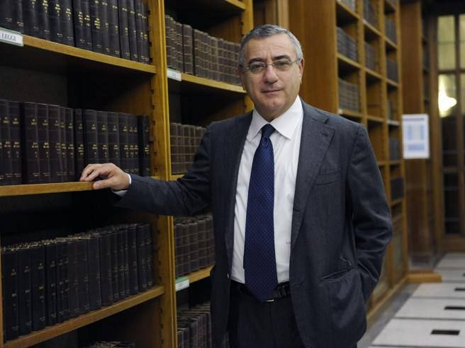 Blitz contro camorra arrestati tre fratelli del senatore Cesaro Forza Italia)