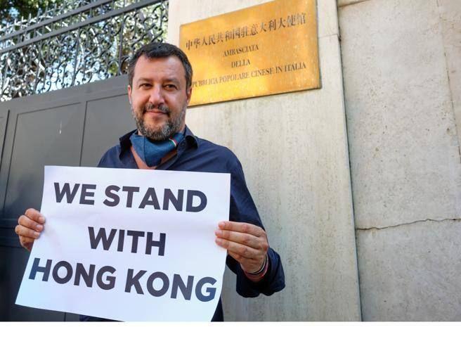 Salvini difende Hong Kong «Noi democratici». Cina «Incoerente»