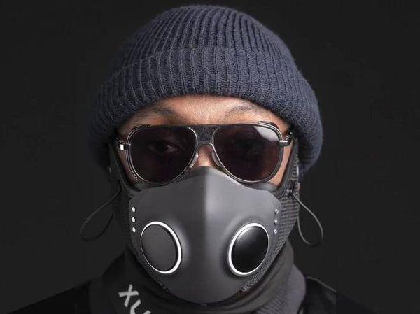 Luci led, auricolari e ventole: Xupermask, la mascherina futurista nata a Hollywood