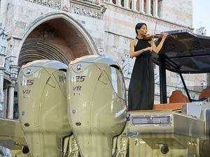 Stradivari 43, il «battello-violino» di Cremona firmato Capelli e Yamaha