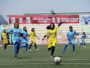 In salvo tre calciatrici della squadra di Herat: «Sono in attesa di partire per l'Italia»