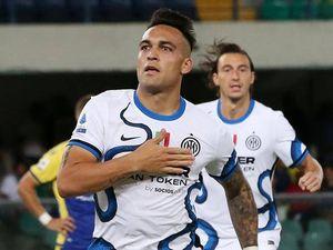 Inter, Lautaro Martinez rinnova fino al 2026: tolta la clausola da 110 milioni, ma resta l'interesse del Psg
