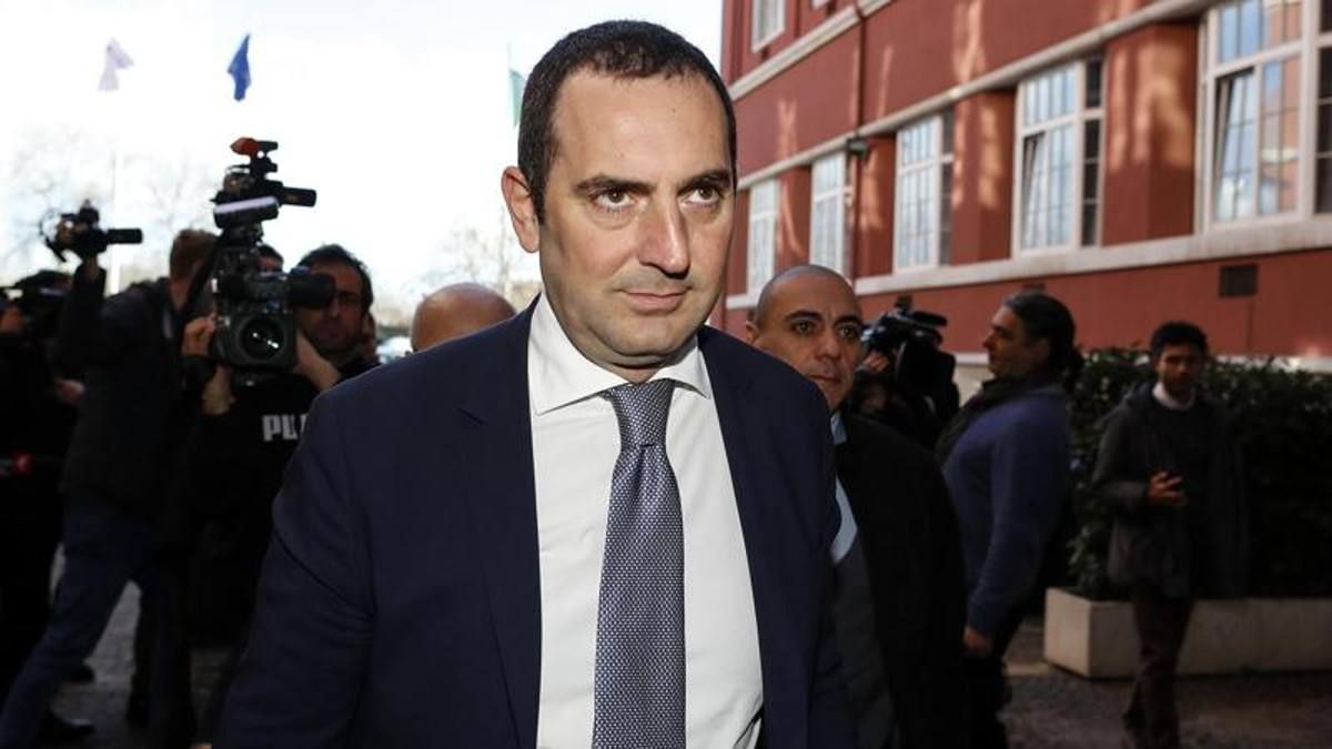 Vincenzo Spadafora ministro dello sport sulla ripresa della Serie