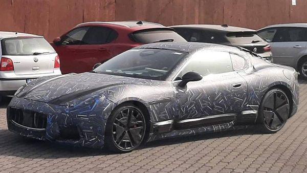 Maserati GranTurismo 2022: avvistata la versione definitiva, ecco le foto