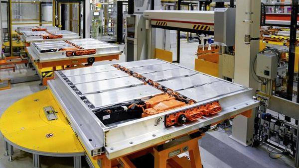 Samsung e LG per le batterie delle auto elettriche: Sud Corea fabbrica mondiale