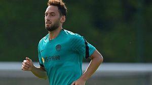 Inter, Calha può essere il nuovo Mago di Inzaghi. Tra le riserve occhio a Dimarco
