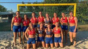 Beach handball, sette associazioni contro il bikini: