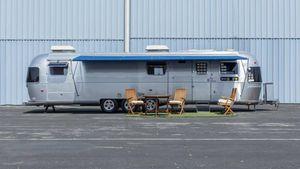 La roulotte Airstream di Tom Hanks venduta all'asta a un prezzo...esclusivo