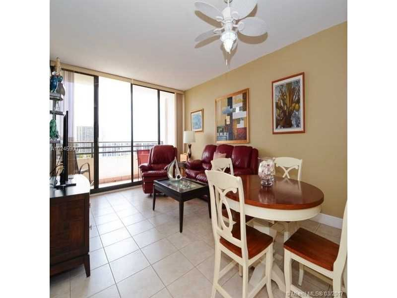 Alexander Towers for Sale - 3505 S Ocean Dr, Unit 1104, Hollywood 33019, photo 3 of 9