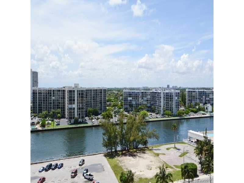 Alexander Towers for Sale - 3505 S Ocean Dr, Unit 1104, Hollywood 33019, photo 8 of 9