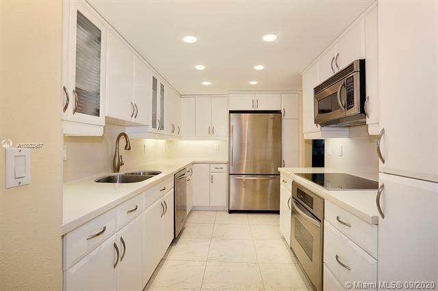 Quadomain Catania for Sale - 2301 S Ocean Dr, Unit 201, Hollywood 33019, photo 11 of 41