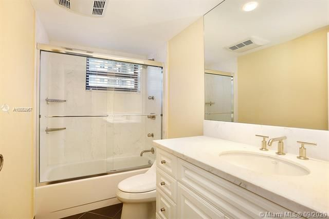 Quadomain Catania for Sale - 2301 S Ocean Dr, Unit 201, Hollywood 33019, photo 16 of 41