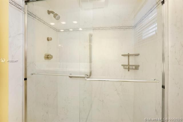Quadomain Catania for Sale - 2301 S Ocean Dr, Unit 201, Hollywood 33019, photo 22 of 41