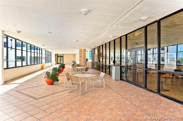Quadomain Catania for Sale - 2301 S Ocean Dr, Unit 201, Hollywood 33019, photo 23 of 41