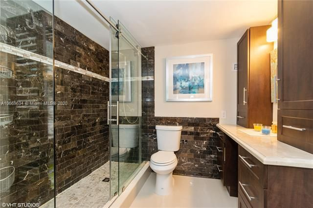 Alexander Towers for Sale - 3505 S Ocean Dr, Unit 1112, Hollywood 33019, photo 10 of 16