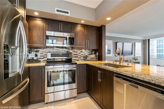 Alexander Towers for Sale - 3505 S Ocean Dr, Unit 1112, Hollywood 33019, photo 2 of 16