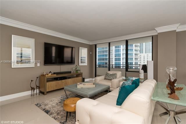 Alexander Towers for Sale - 3505 S Ocean Dr, Unit 1112, Hollywood 33019, photo 3 of 16