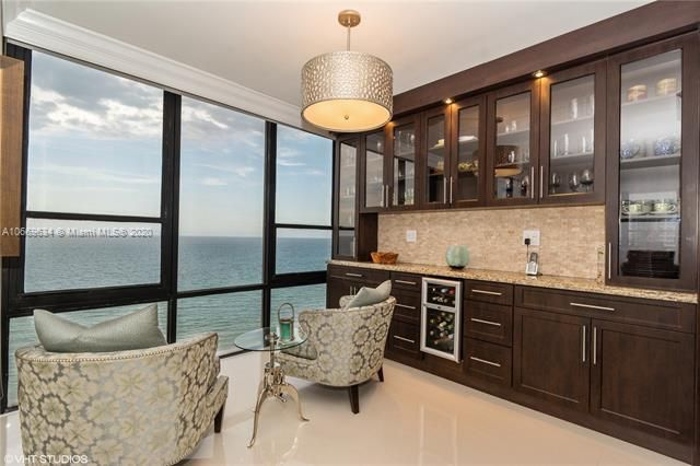 Alexander Towers for Sale - 3505 S Ocean Dr, Unit 1112, Hollywood 33019, photo 8 of 16