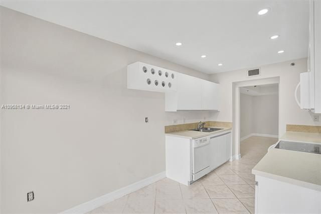 Summit for Sale - 1201 S Ocean Dr, Unit 110S, Hollywood 33019, photo 45 of 58
