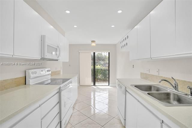 Summit for Sale - 1201 S Ocean Dr, Unit 110S, Hollywood 33019, photo 6 of 58