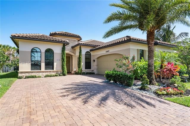 Heron Bay for Sale - 11645 NW 82nd Ct, Parkland 33076, photo 1 of 63