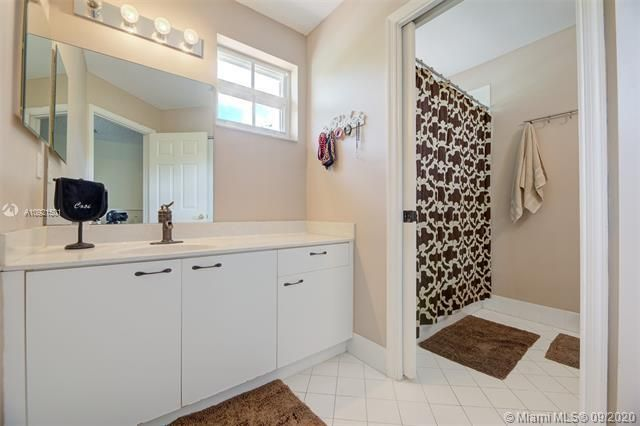 Riviera Isles for Sale - 17098 SW 52nd Ct, Miramar 33027, photo 32 of 41