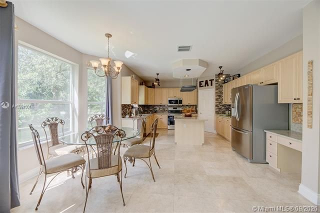 Riviera Isles for Sale - 17098 SW 52nd Ct, Miramar 33027, photo 5 of 41
