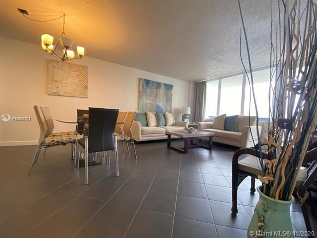 Sea Air Towers for Sale - 3725 S Ocean Dr, Unit 912, Hollywood 33019, photo 12 of 34