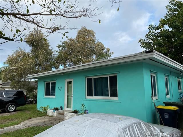 Melaleuca Gardens Resub for Sale - 526 NW 7th St, Dania 33004, photo 1 of 6