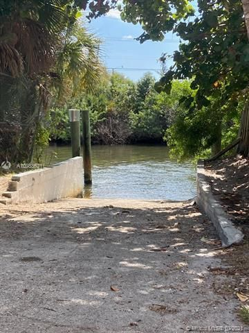 Melaleuca Gardens Resub for Sale - 526 NW 7th St, Dania 33004, photo 5 of 6