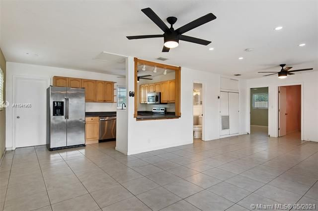 North Margate 1st Add for Sale - 2656 NW 63rd Ave, Margate 33063, photo 12 of 22