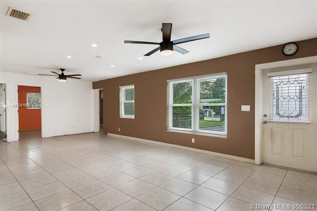 North Margate 1st Add for Sale - 2656 NW 63rd Ave, Margate 33063, photo 13 of 22