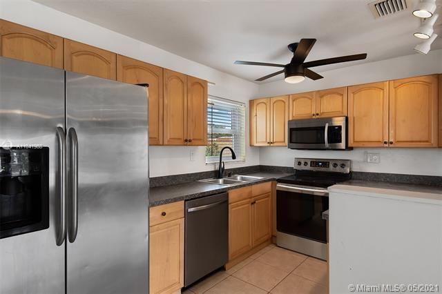North Margate 1st Add for Sale - 2656 NW 63rd Ave, Margate 33063, photo 16 of 22