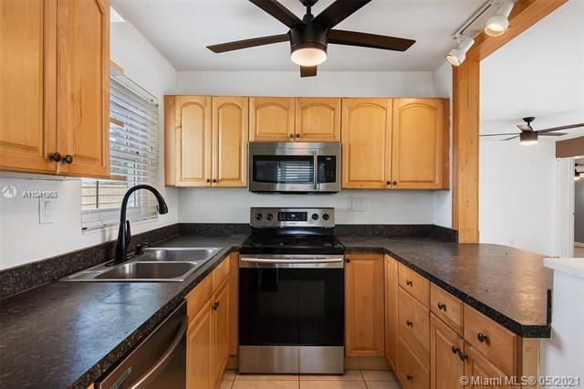 North Margate 1st Add for Sale - 2656 NW 63rd Ave, Margate 33063, photo 17 of 22