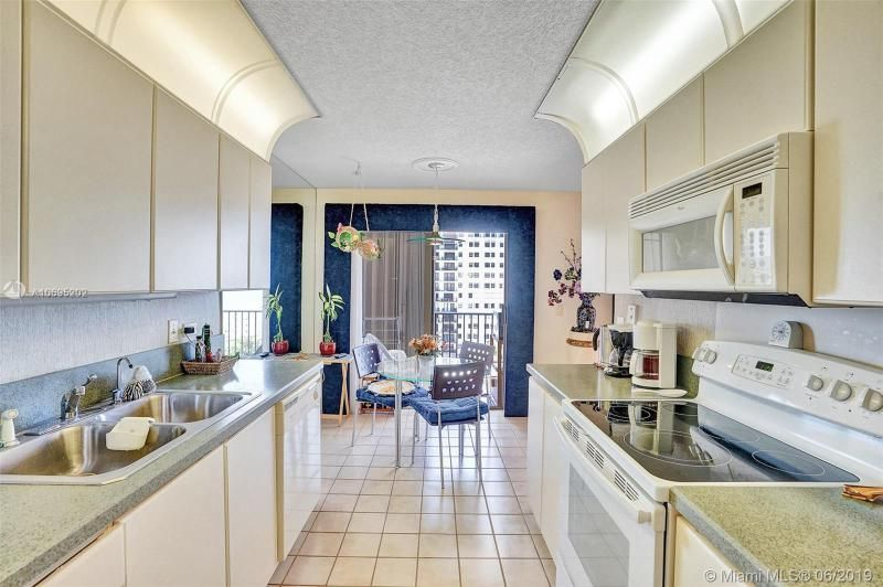 Summit for Sale - 1201 S Ocean Dr, Unit 1103S, Hollywood 33019, photo 15 of 40