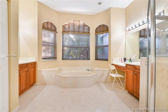 Riviera Isles for Sale - 4923 SW 163rd Ave, Miramar 33027, photo 10 of 16