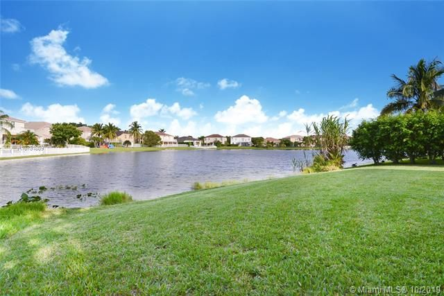 Riviera Isles for Sale - 4923 SW 163rd Ave, Miramar 33027, photo 3 of 16