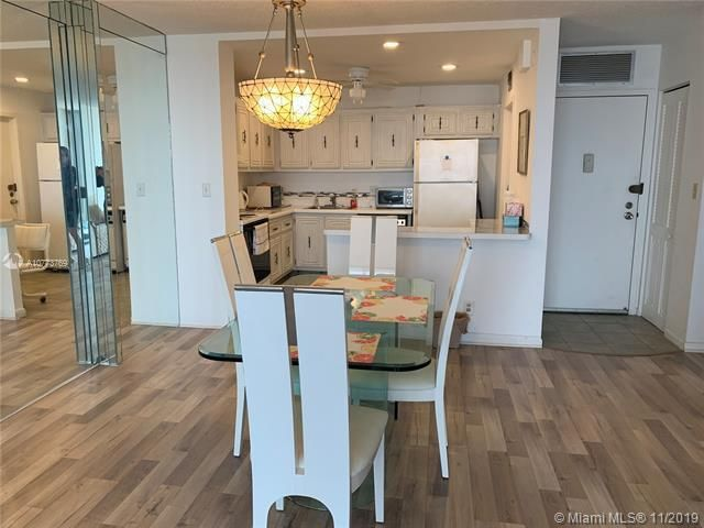 Quadomain for Sale - 2101 S Ocean Dr, Unit 2206, Hollywood 33019, photo 5 of 26