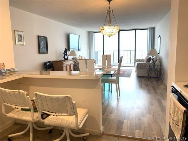 Quadomain for Sale - 2101 S Ocean Dr, Unit 2206, Hollywood 33019, photo 7 of 26