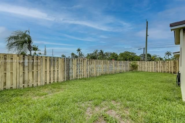 Forrest Homesites 36-28 B for Sale - 48 SE 7th, Dania 33004, photo 31 of 37