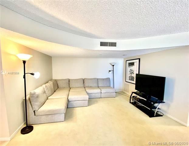 Aquarius for Sale - 2751 S Ocean Dr, Unit 1702S, Hollywood 33019, photo 11 of 50
