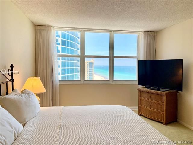 Aquarius for Sale - 2751 S Ocean Dr, Unit 1702S, Hollywood 33019, photo 17 of 50