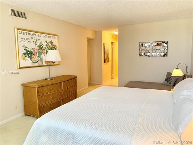 Aquarius for Sale - 2751 S Ocean Dr, Unit 1702S, Hollywood 33019, photo 20 of 50