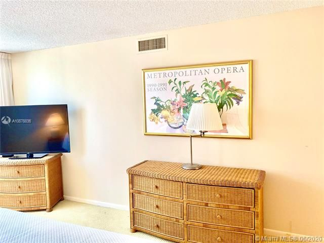 Aquarius for Sale - 2751 S Ocean Dr, Unit 1702S, Hollywood 33019, photo 21 of 50