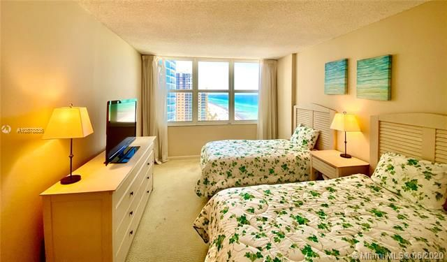 Aquarius for Sale - 2751 S Ocean Dr, Unit 1702S, Hollywood 33019, photo 27 of 50