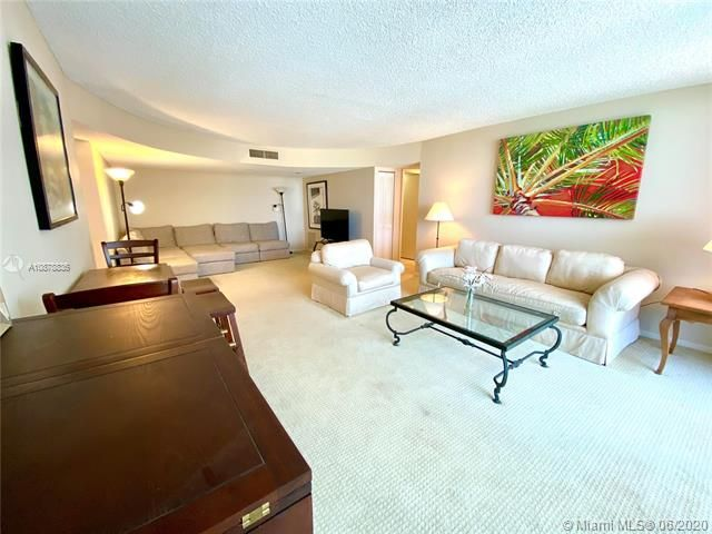 Aquarius for Sale - 2751 S Ocean Dr, Unit 1702S, Hollywood 33019, photo 9 of 50
