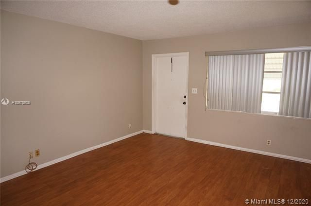 Paradise Gardens Sec 2 for Sale - 1455 NW 69th Ave, Margate 33063, photo 3 of 27