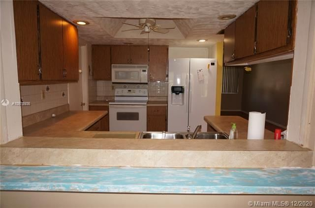 Paradise Gardens Sec 2 for Sale - 1455 NW 69th Ave, Margate 33063, photo 8 of 27
