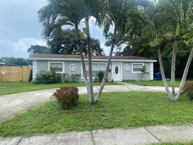 Academy Award Sec 4 for Sale - 3811 NW 7th Ct, Lauderhill 33311, photo 1 of 14